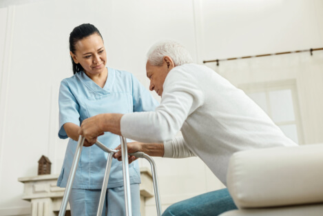 5 Important Qualities to Look for in Caregivers
